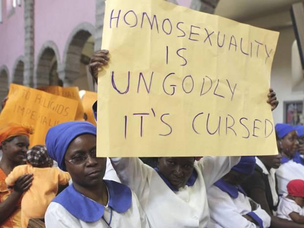 Zimbabwes president följer anti-gaytrenden