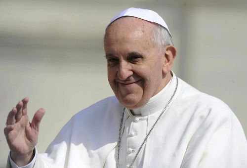 Straighta katoliker uppmanar påven att välkomna samkönade äktenskap