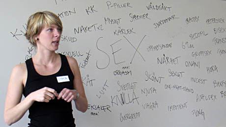 Linnea Runnander: Killar får stånd och tjejer får mens
