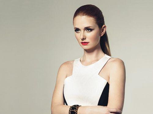 t.A.T.u-sångerskan Lena Katina håller inte med sin kompanjon om homosexualitet