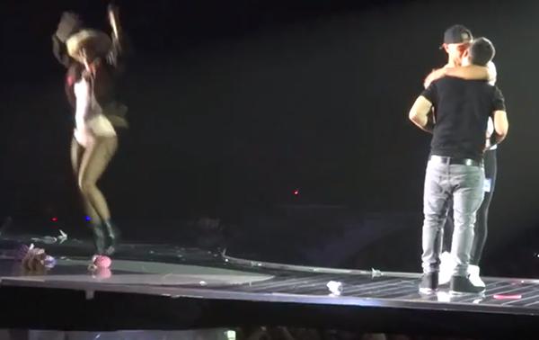 Homosexuell man friade under Gaga-konsert – Lady Gaga hoppade av glädje!