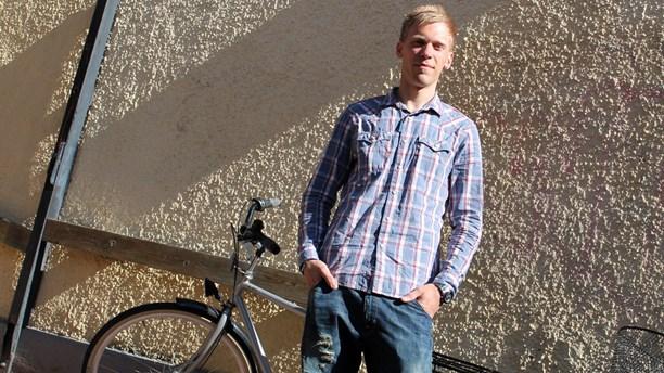 Han var en av de 60 000 ungdomar som mobbas varje dag