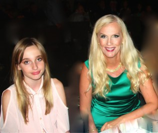 Gunilla Persson med dottern Erika.