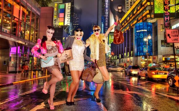 """Dragshowgruppen Cabaret Moulin om Jöback: """"Fenomenal artist men inte så mycket drag"""""""