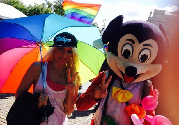 """HBTQ-bloggerskan riktar skarp kritik mot Pride: """"Det här är ingen sexfestival!"""""""
