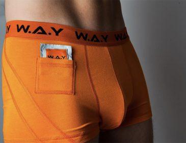 Orangea kalsonger med kondomförvaring kan bli sommarens nya hit